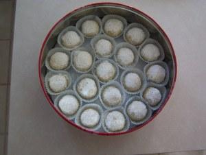 JennyKales_snowballcookies